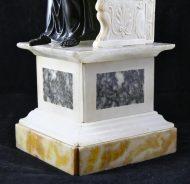 Saint-Pierre en bronze sur socle albâtre