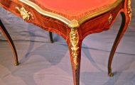 Table bureau style Louis XV