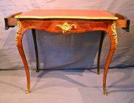 Bureau fin XIXème de style Louis XV
