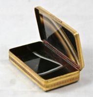 Boîte en onyx et pomponne XVIIIème 1